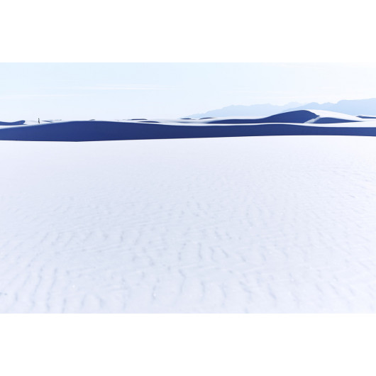 Contemplating the infinity, White sands, New Mexico